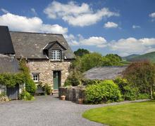 Snaptrip - Last minute cottages - Gorgeous Llandefaelog Fach Cottage S40226 - Damson Cottage