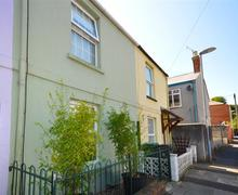 Snaptrip - Last minute cottages - Inviting Weymouth Cottage S43208 - Adas Cottage