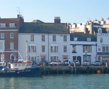 Snaptrip - Last minute cottages - Charming Weymouth Apartment S43335 - tradesany0564