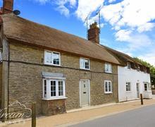 Snaptrip - Last minute cottages - Exquisite Burton Bradstock Cottage S43388 - Exterior