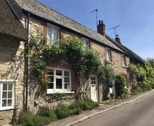 Snaptrip - Last minute cottages - Cosy Osmington Cottage S43379 - IMG_7488