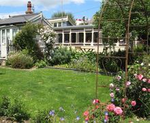 Snaptrip - Last minute cottages - Excellent Bridport Cottage S43318 - Outside 1