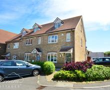 Snaptrip - Last minute cottages - Delightful Weymouth Cottage S43302 - Cygnets exterior