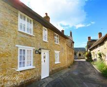 Snaptrip - Last minute cottages - Charming Burton Bradstock Cottage S60531 - Exterior