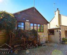 Snaptrip - Last minute cottages - Captivating Burton Bradstock Cottage S43159 - Exterior