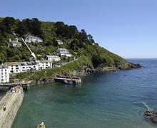 Snaptrip - Last minute cottages - Cosy Cornwall Polperro Cottage S58256 - The Cobbles with arrow.