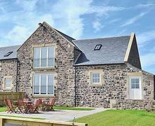 Snaptrip - Last minute cottages - Wonderful Craster Cottage S14530 -