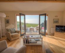 Snaptrip - Last minute cottages - Charming Cornwall Talland Bay Cottage S58708 - Living Room 3