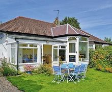 Snaptrip - Last minute cottages - Gorgeous Craster Cottage S14548 -