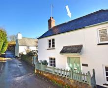 Snaptrip - Last minute cottages - Attractive South Devon Holbeton Cottage S58577 - Hornblower exterior edited with arrow