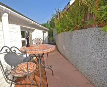 Snaptrip - Last minute cottages - Tasteful Cornwall Looe Apartment S58219 - Tide Ways Cottage 002_R