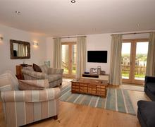 Snaptrip - Last minute cottages - Stunning Cornwall Talland Bay Cottage S58261 - 19Tall living room (2)