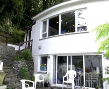 Snaptrip - Last minute cottages - Delightful South Devon Salcombe Apartment S58390 - Country Life exterior from below
