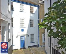 Snaptrip - Last minute cottages - Luxury South Devon Dartmouth Cottage S58798 - Grants Exterior 2_Rcrop_VB logo