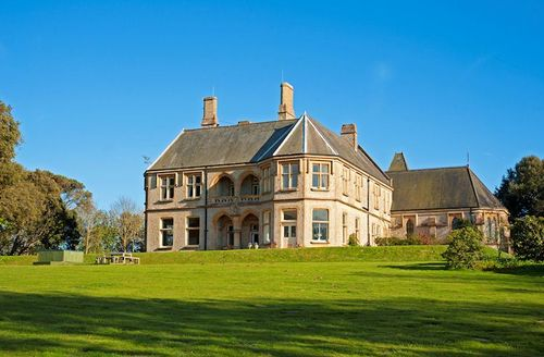 Snaptrip - Last minute cottages - Gorgeous Totland Bay Manor S1265 - Outside Weston Manor, Isle of Wight