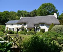 Snaptrip - Last minute cottages - Cosy South Devon East Portlemouth Cottage S58255 - Goodshelter with flat roof missing