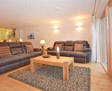Snaptrip - Last minute cottages - Wonderful Cornwall Talland Bay Cottage S58633 - 4 lounge 2 (R)