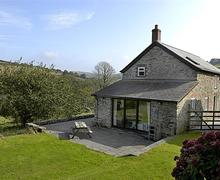 Snaptrip - Last minute cottages - Inviting South Devon East Portlemouth Cottage S58630 - Goodshelter Appletree exterior & garden
