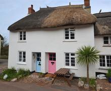 Snaptrip - Last minute cottages - Delightful South Devon Hope Cove Cottage S58305 - 2 The Square external_R