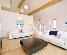 Snaptrip - Last minute cottages - Excellent Cornwall Talland Bay Cottage S58671 - 32 lounge 1 (R)