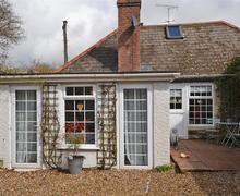 Snaptrip - Last minute cottages - Gorgeous South Devon Kingston Cottage S58601 - morello rear external_R