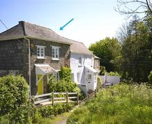 Snaptrip - Last minute cottages - Gorgeous South Devon Kingsbridge Cottage S58793 - Exterior with arrow