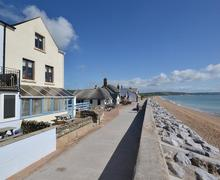 Snaptrip - Last minute cottages - Cosy South Devon Torcross Apartment S58525 - Reeds exterior (4)_R
