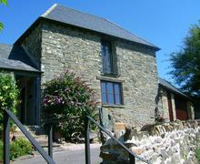 Snaptrip - Last minute cottages - Cosy South Devon Salcombe Cottage S58213 - Yeomans close up ext 09