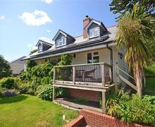 Snaptrip - Last minute cottages - Wonderful South Devon Kingsbridge Cottage S58519 - Bralo garden7_R