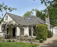 Snaptrip - Last minute cottages - Wonderful Burley Cottage S58853 - exterior 4