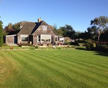 Snaptrip - Last minute cottages - Gorgeous Lymington Cottage S73872 - normandy garth 2