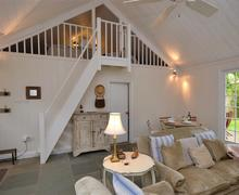 Snaptrip - Last minute cottages - Luxury Beaulieu Cottage S58886 - Open plan 5