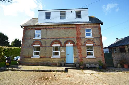 Beautiful Keyhaven Cottage S58953