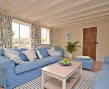 Snaptrip - Last minute cottages - Splendid Hordle Cottage S78843 - Apple Court living2_R