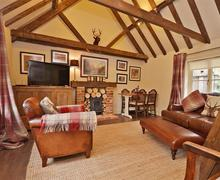 Snaptrip - Last minute cottages - Attractive East Wellow Lodge S58936 - 2015-05-08 13.32.45_R