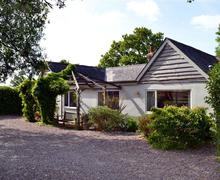 Snaptrip - Last minute cottages - Charming Pilley Cottage S58928 - old farm cottage Exterior