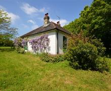 Snaptrip - Last minute cottages - Quaint West Wellow Cottage S58889 - Exterior 2 PS
