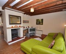 Snaptrip - Last minute cottages - Attractive East End Cottage S58943 - Lounge 1