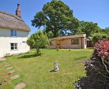 Snaptrip - Last minute cottages - Stunning Fordingbridge Lodge S58871 - 2015-06-30 13.25.45_R