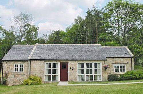 Snaptrip - Last minute cottages - Tasteful Warkworth Cottage S14689 -