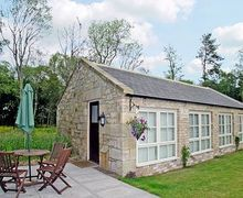 Snaptrip - Last minute cottages - Beautiful Warkworth Cottage S14700 -