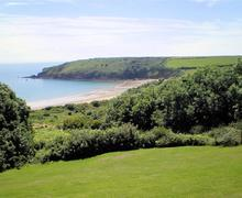Snaptrip - Last minute cottages - Inviting Freshwater East Apartment S75761 - j319 BR MAIN