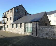 Snaptrip - Last minute cottages - Exquisite Pembroke Apartment S75864 - K609 029