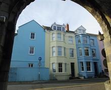 Snaptrip - Last minute cottages - Exquisite Tenby Apartment S75975 - K603 003 BR2