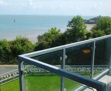 Snaptrip - Last minute cottages - Gorgeous Croft Court, Tenby Apartment S78220 - K447 008 BR1