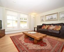 Snaptrip - Last minute cottages - Gorgeous Dartmouth Apartment S78004 - 139_1.jpg