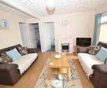 Snaptrip - Last minute cottages - Attractive Dartmouth Lodge S77945 - 143_1.jpg