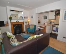 Snaptrip - Last minute cottages - Cosy Dartmouth Cottage S77915 - 107_1.jpg