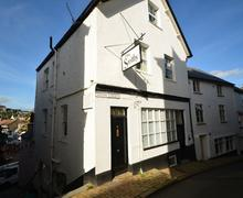 Snaptrip - Last minute cottages - Tasteful Dartmouth Cottage S77920 - 87_1.jpg