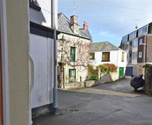 Snaptrip - Last minute cottages - Luxury Cornwall Looe Apartment S78917 - Briar external2_R